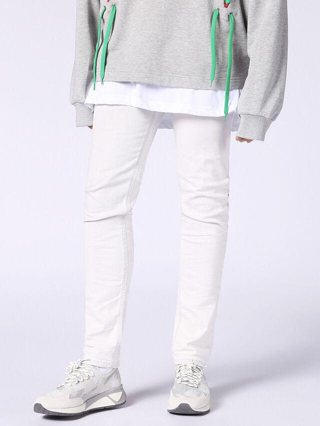 THOMMER 0689F, White