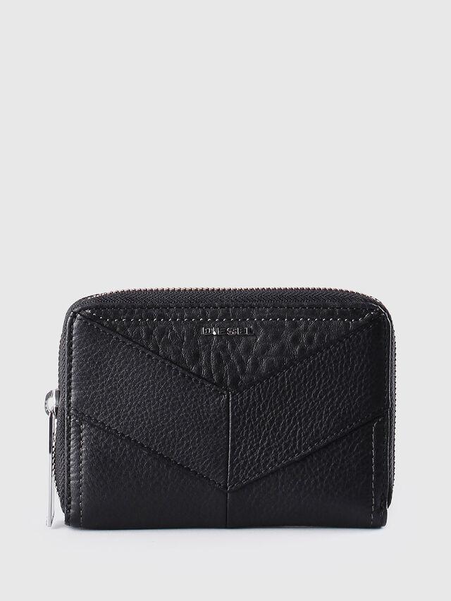 JADDAA, Black Leather
