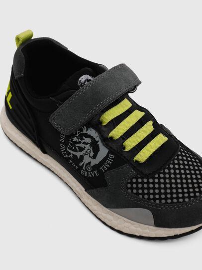 Diesel - SN RUNNER 01 LC CH, Black/Grey - Footwear - Image 4
