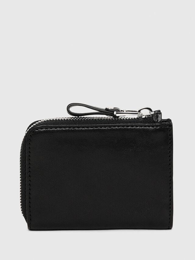 L-PASSME, Black Leather