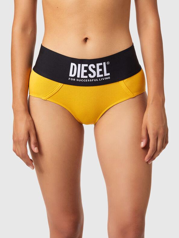 https://lu.diesel.com/dw/image/v2/BBLG_PRD/on/demandware.static/-/Sites-diesel-master-catalog/default/dwa8516dc2/images/large/00SEX1_0DCAI_22K_O.jpg?sw=594&sh=792