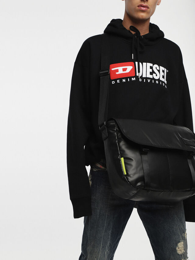 Diesel - F-DISCOVER MESSENGER, Black - Crossbody Bags - Image 6