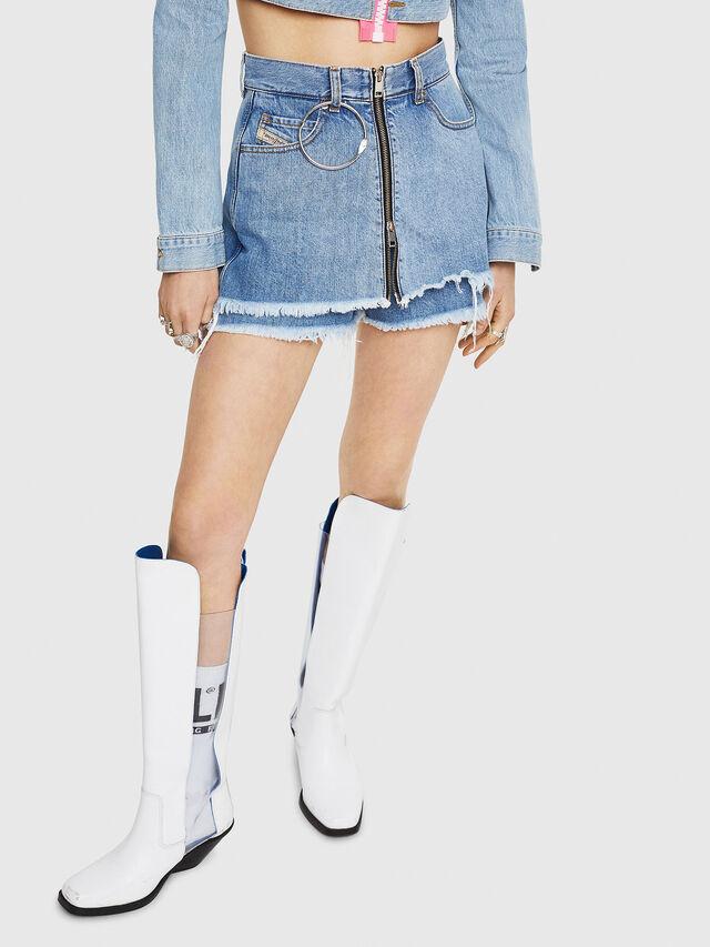 Diesel - DE-LARZY, Blue Jeans - Shorts - Image 1
